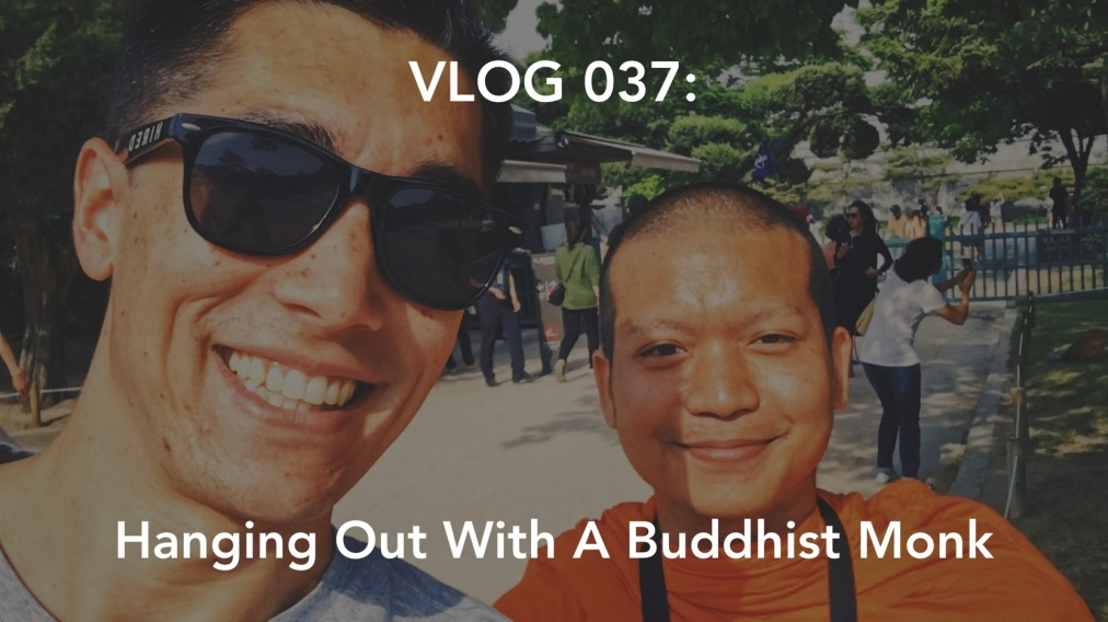 Vlog 037: Hanging Out With A Thai Buddhist Monk at the Gyeongbokgung Palace in Seoul