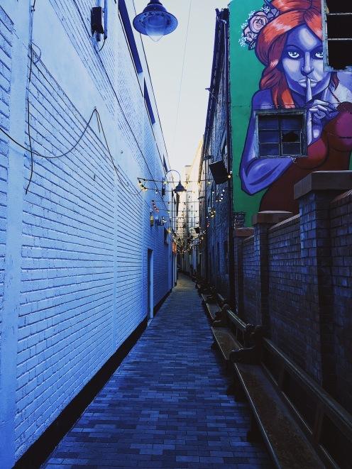 10-Belfast is full of these cute little alleys